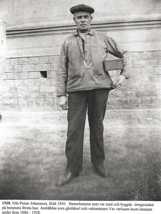 Nils Petter Johansson, gårdskarl och vaktmästare 1886-1928.