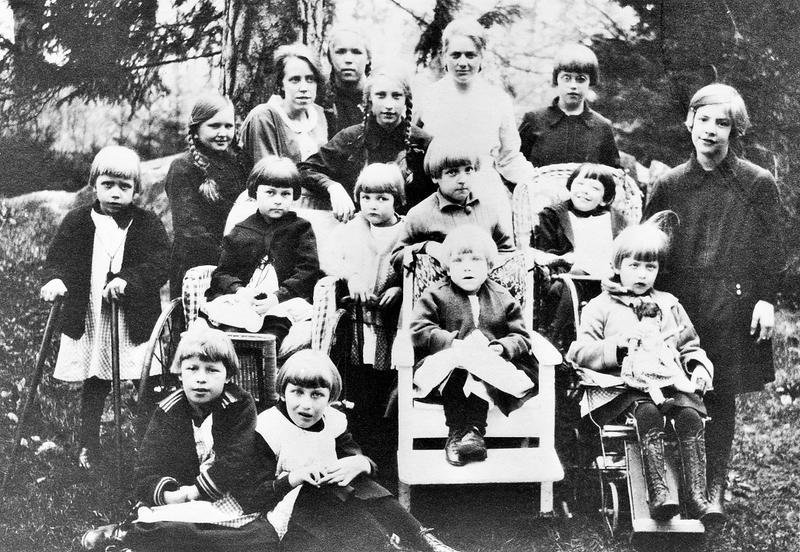 Flickorna på avd 11 1930.