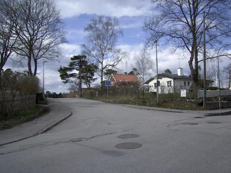 Skyttevägen in till f.d. Lidingöhemmet.
