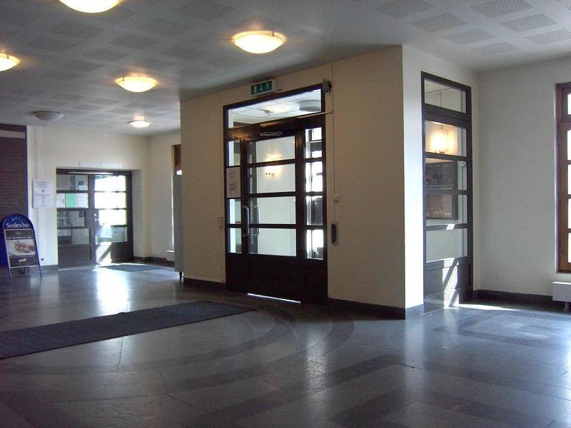 Stora ingångens lilla vestibul.