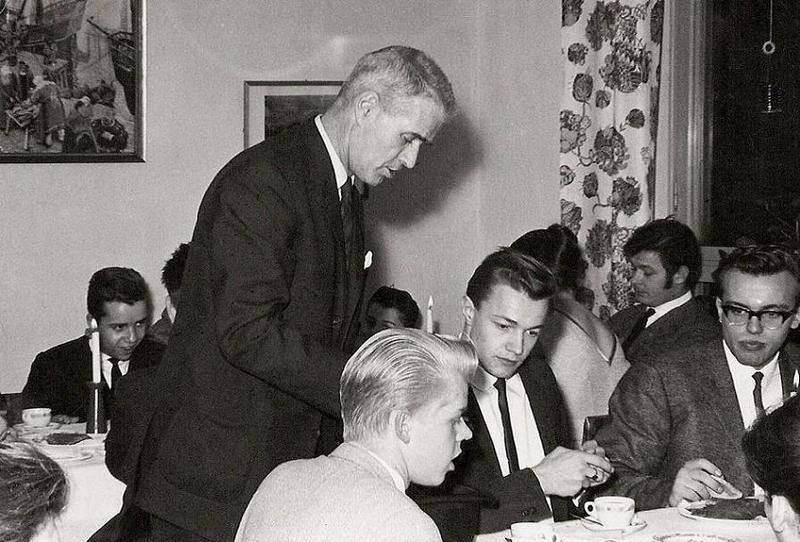 Björn Ståludd med elever.