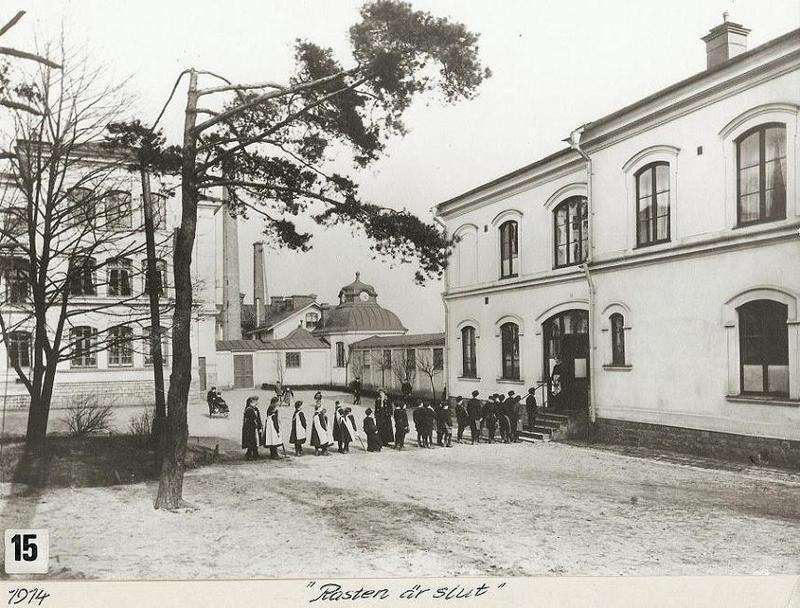 """""""Rasten är slut"""" 1914."""