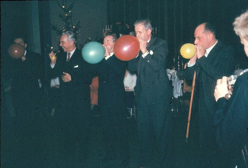 Fest med ballongblåsning.