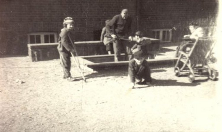Rensning av plaskdammen 1949